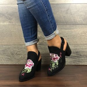 EMBROIDERED WOMEN ALMOND TOE